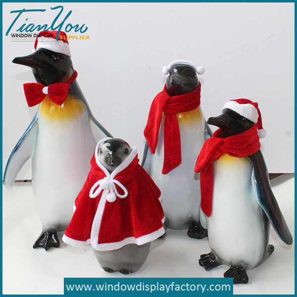 Lovely Decoration Resin Red Penguin Craft Prop