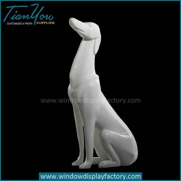 Life Size Lovely Fiberglass Sitting Dog Sculpture Decoration