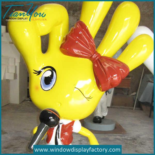 Colorful Finger Shape Fiberglass Girl Props