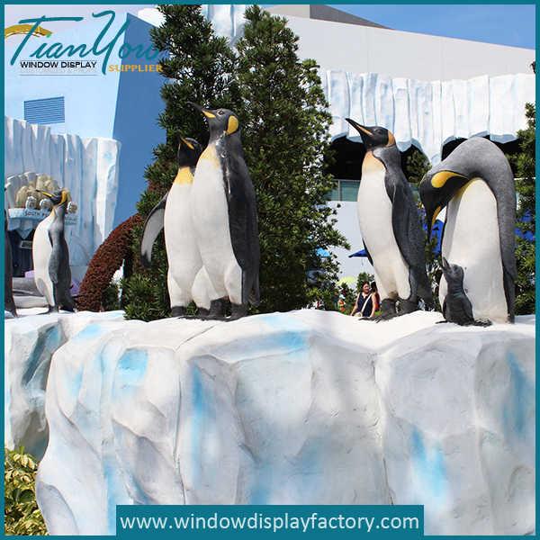 Fake Larg Foam Iceberg Penguin Park Display