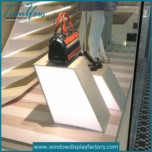 Creative Design Acrylic Display Stand with Light