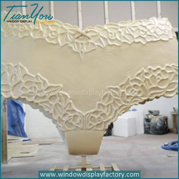 Custom Female Life Size Underpants Display Props