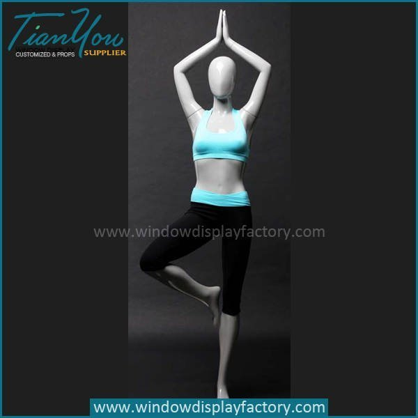 Modern Design Female Yoga Mannequin Display