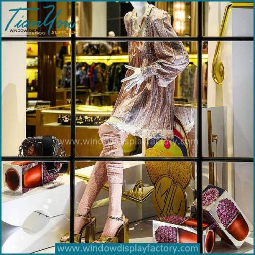 visual merchandising window displays