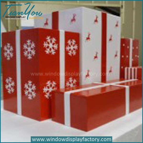 Christmas Themed Props Giant Gift Box Display