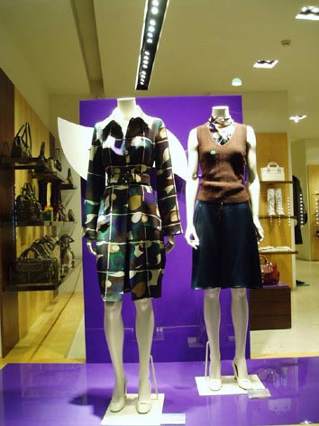 store display mannequins