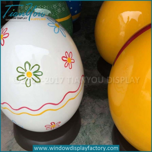 Custom Decorating Giant Easter Eggs